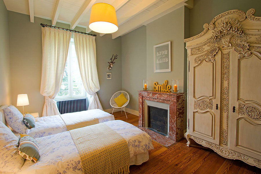 Bedroom_6_Joli_Fleuron_France